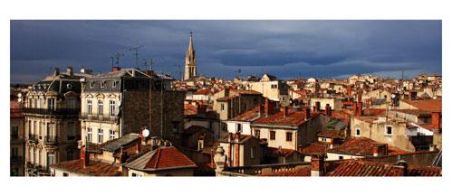 Montpellier - Vue sur les toits - Carte Postale panoramique 10x23. Photographe Marianne Raous