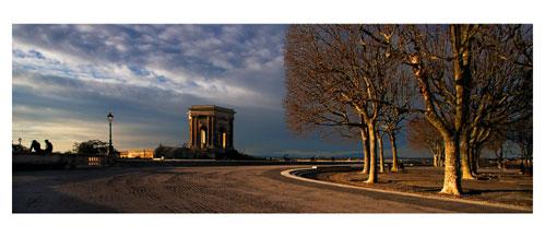 Montpellier - Les jardins du Pérou - Carte Postale panoramique 10x23. Photographe Marianne Raous