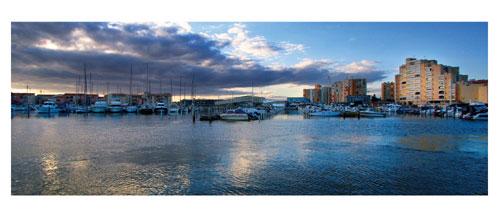 Carnon, le port et le pont des soupirs - Carte postale panoramique 10x23 cm - Photographe: Marianne Raous