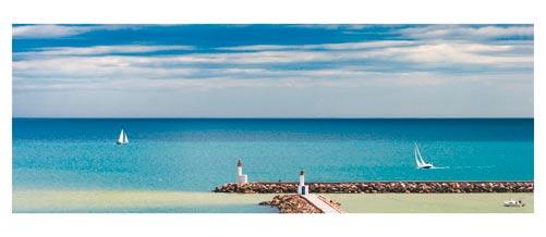 Carnon, la sortie du port et quelques voiliers  - Carte postale panoramique 10x23 cm - Photographe: Marianne Raous