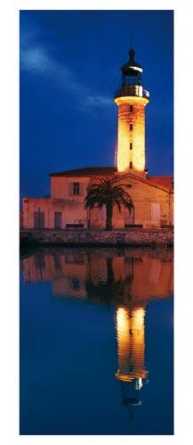 Le phare du Grau du Roi à la nuit tombée - Carte postale panoramique 10x23 cm - Photographe: Marianne Raous