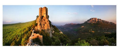 Le Chateau de Monferrant, l'Hortus et le Pic Saint Loup - Languedoc - Hérault - Garigues